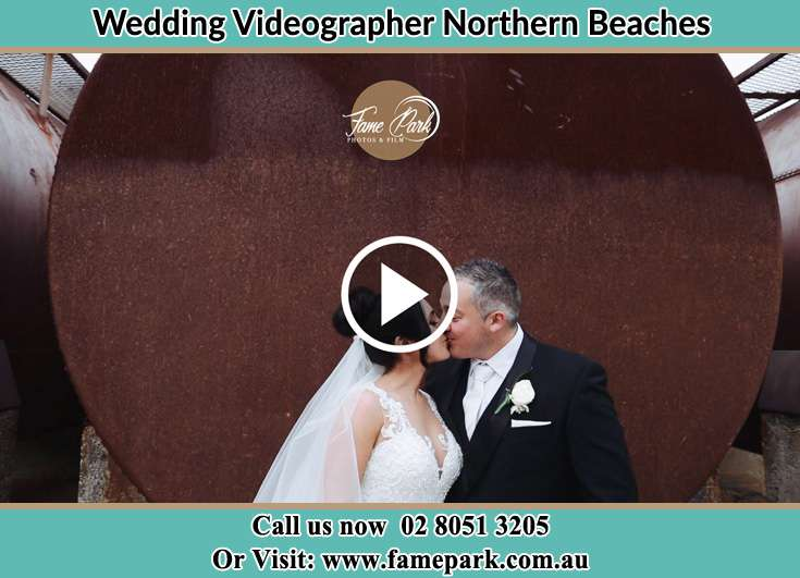 The newly weds kissing Northern Beaches